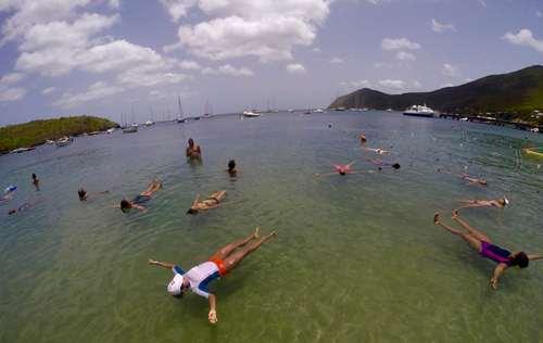 Faire du sport en mer avec CARAÏBES NATATION