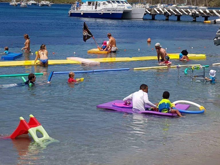 Jeux pour bébés nageurs chez CARAÏBES NATATION