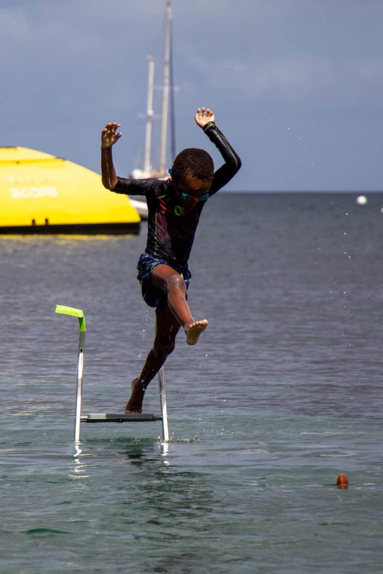 Lucas 5 ans saute de echelle
